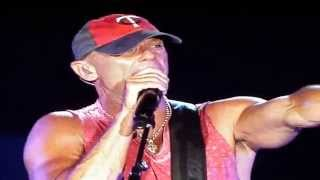 "download lagu ""anything But Mine"" - Kenny Chesney Live gratis"
