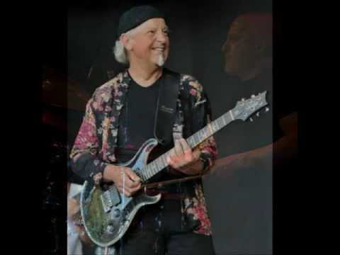 'To cry you a song' Martin Barre's New Day (Live)