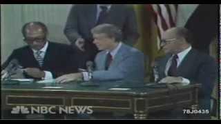 فيديو نادر للحظة توقيع اتفاقية كامب ديفيد