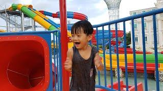 Đồ Chơi Trẻ Em Tin Siêu Còi ❤ Tin và Anh Hai đi hồ bơi với Ba, Mẹ