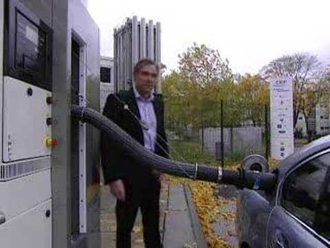 BMW HYDROGEN Car Refuelling