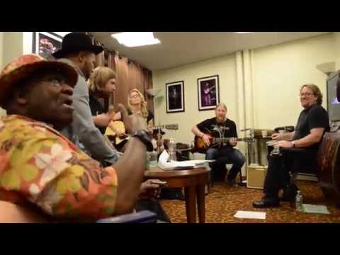 Tedeschi Trucks Band - Leavin' Trunk (with Taj Mahal & Jerry Douglas)