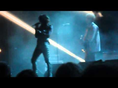 EX CSI & Angela Baraldi – M'importa 'na Sega Live @ FestaReggio 12/9/13 [4]
