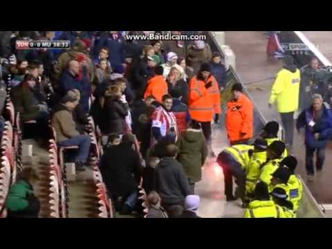Fans vs Steward | Sunderland vs Manchester United | Capital One Cup 07-01-2014
