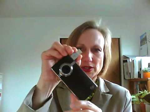Flip Video Ultra HD vs. Kodak Zi8 - Heidi Thorne Reviews Both for Tradeshow and Event Use