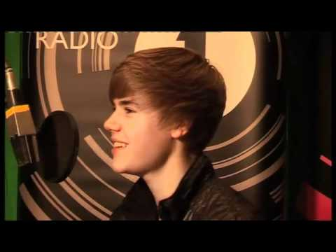 Justin Bieber chats to Fearne Cotton
