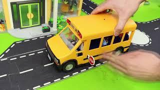 Xe cứu hỏa, xe lửa, máy xúc, xe tải tự đổ, xe cảnh sát và máy kéo xây dựng xe đồ chơi cho trẻ em