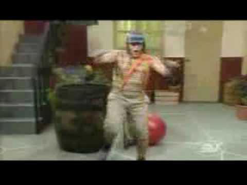 El Chavo Del 8-bailando Reggaeton video