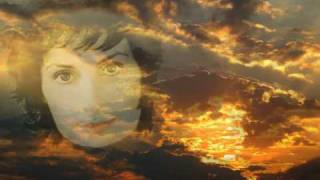 Watch Enya Paint The Sky With Stars video