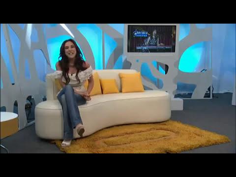 Sandra Corcuera mostrando