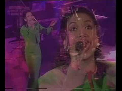 Ziana Zain - Kemelut Di Muara Kasih (Unplugged Concert)