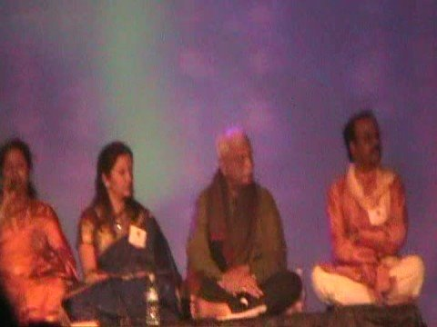 Rayaru Bandaru Mavana Manege - Kannadave Satya