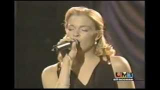 Watch Leann Rimes I Fall To Pieces video