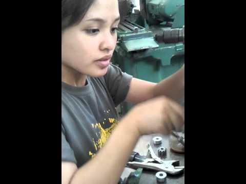 Milling machine spur gear making.