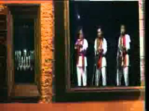 Rhoma Irama - Seni (karaoke + Live) - Youtube.flv video