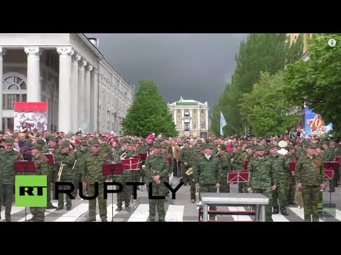 Ukraine: Victory Day Parade defiantly held in Donetsk