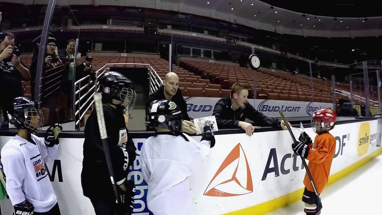 Ducks Weekly: 'Learn to Play' hockey program - YouTube