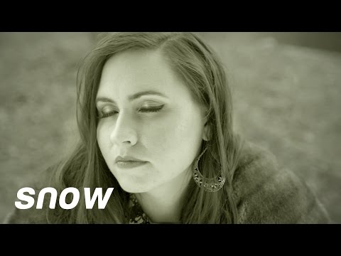 """Mary Morris - """"Snow"""" an Adele """"Hello"""" Parody (OFFICIAL MUSIC VIDEO)"""