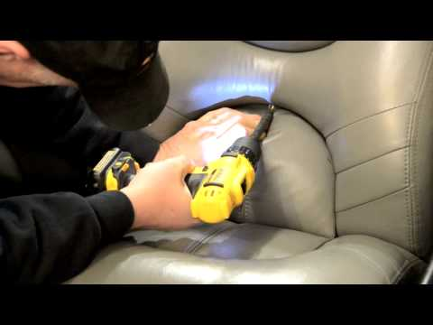 How To Remove Boat Seat On A Triton TR20