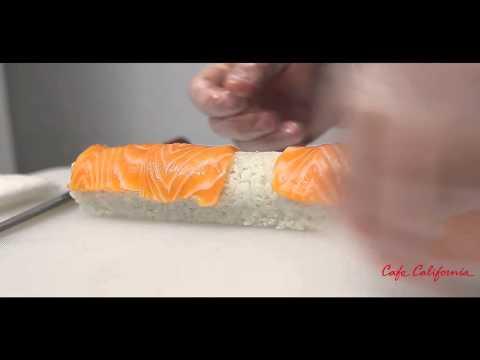 """Мастер класс от шеф повара CafeCalifornia  ролл """"Филадельфия"""" с лососем #cafecalifornia"""