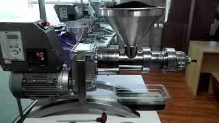 GM-1500 model soguk pres yag makinamizla çörekotu yagı cekimi coldpress oil machine