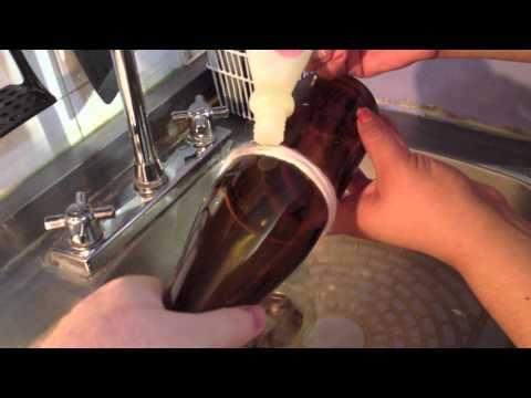 Como hacer vasos con botellas de vidrio