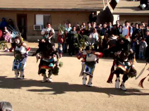 Hopi Buffalo Dance at Kykotsmovi 2009 part 1