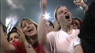 Michael Jackson and Jennifer Batten - Beat It (live)