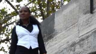 Sylviane LASSOURCE - Que Dieu protège notre amour - Clip 2013