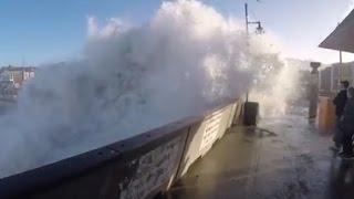 Incredible storm in Pacifica, big waves, big surf (California El Niño)