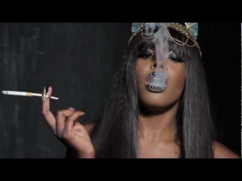 HUNGER TV - AZEALIA BANKS PART 1