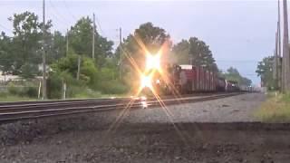 NS 15K heads west W/ 8100 in the lead in Berea, OH
