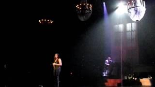 Watch Bonnie Raitt I Need Love video
