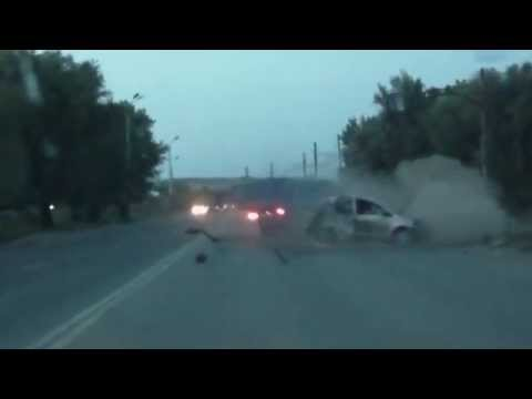 Car Crashes into Oncoming Traffic