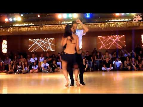 Бачата в исполнении профессионалов. Латиноамериканские танцы.