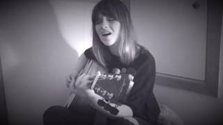 "Gabrielle Aplin - ""Witchy Woman""(Eagles)の弾き語りカバー映像を公開 thm Music info Clip"