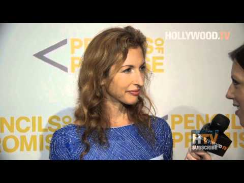 Alysia Reiner on the red carpet - Hollywood.TV