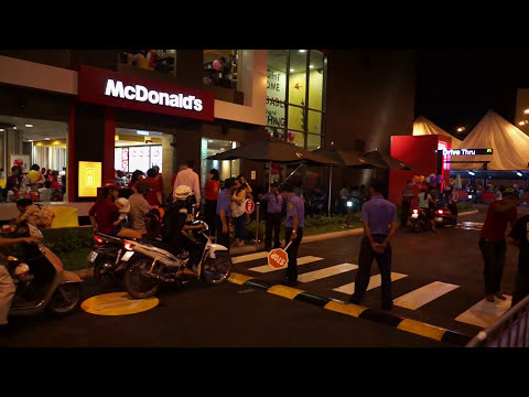 How much does McDonald's Big Mac cost in Vietnam? Prices Big Mac