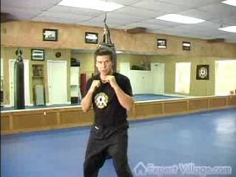Kickboxing Exercises : Kickboxing technique: punch combo Image 1