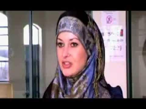 ! Gadis Eropa Bersyahadat & Berkerudung ! Bagaimana Dengan Anda Muslimah Sejak 15 Tahun Lalu ???