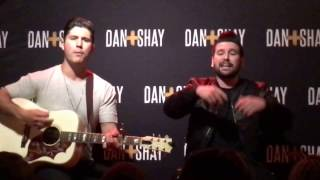 Download Lagu Dan + Shay - VIP - How Not To (Acoustic) - Rosemont / Chicago, IL (Live) Gratis STAFABAND