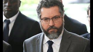 Crise no Itamaraty: Chanceler manda presidente da APEX embora... Ele não vai!