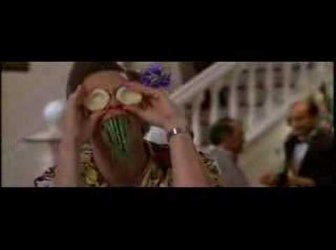 Ace Ventura When Nature Calls - something in my teeth
