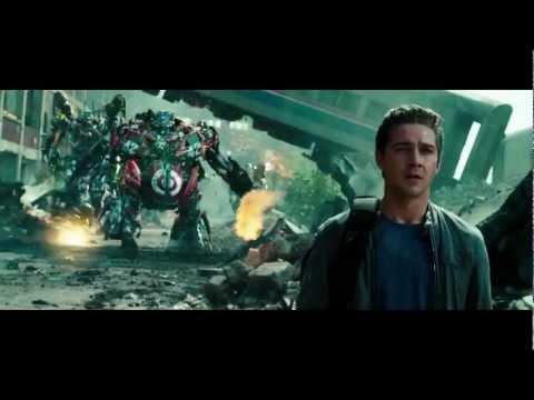 Transformers 3: Dark Of The Moon - Optimus Prime Returns video