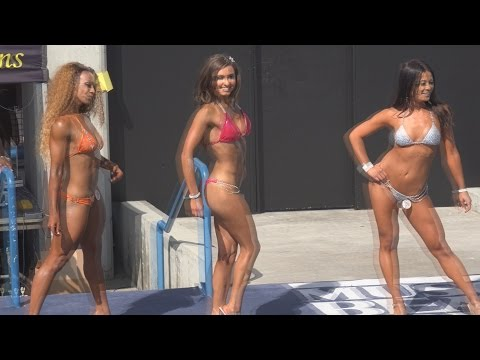 Fitness Bikini Contest at Muscle Beach