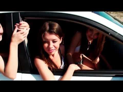 Сколько девушек поместиться в автомобиле BYD S6?