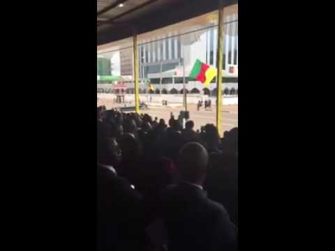 Cameroon-Info.Net: La voiture de Paul Biya tombe en panne au défilé du 20 Mai
