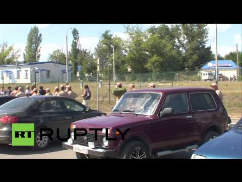 Russia: Red Cross inspect humanitarian aid at Ukraine border