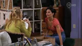 Friends - Phoebe's toys moves into the dollhouse