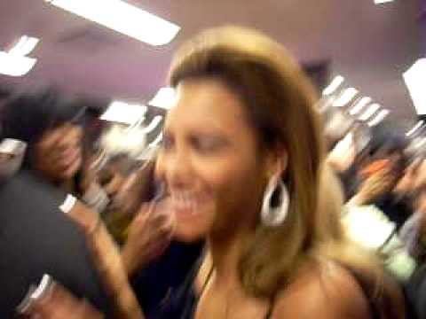 Beyonce @ Bloomingdales Bet 106 & Park Video